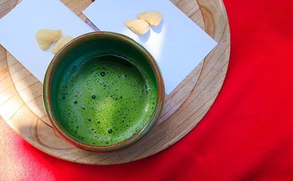日本でテーブルクロスが使われ始めたのは?