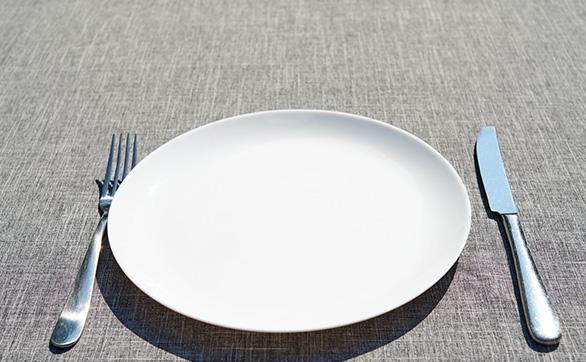 食器やナイフ、フォークの音を防ぐ