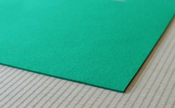 グリーンの毛氈