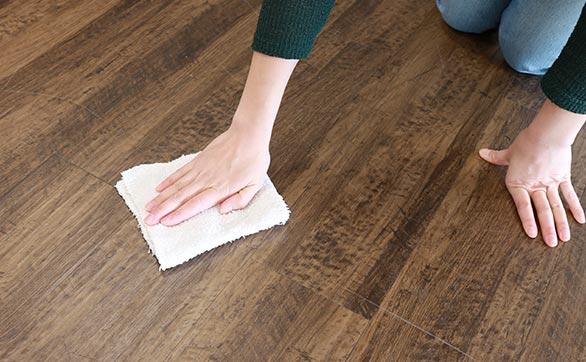 置敷きフロアタイルのお掃除