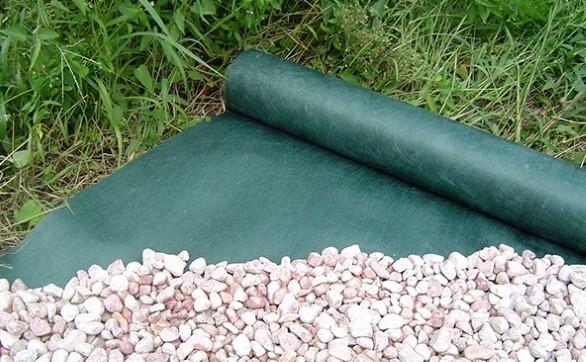 防草シートの種類と選び方