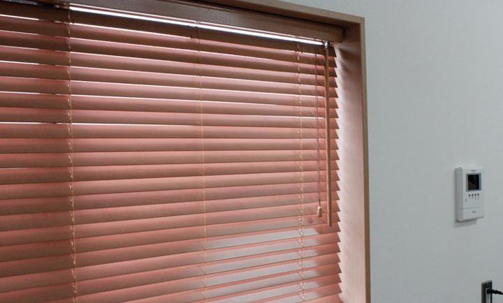 窓 DIY ロールスクリーン